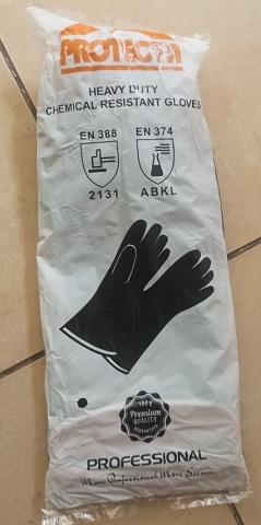 Heavy Duty Chemical Resistant Protecta Rubber Gloves 14 Inches